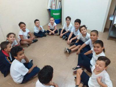 Aula de ensino religioso com os alunos do 1° ano A e B